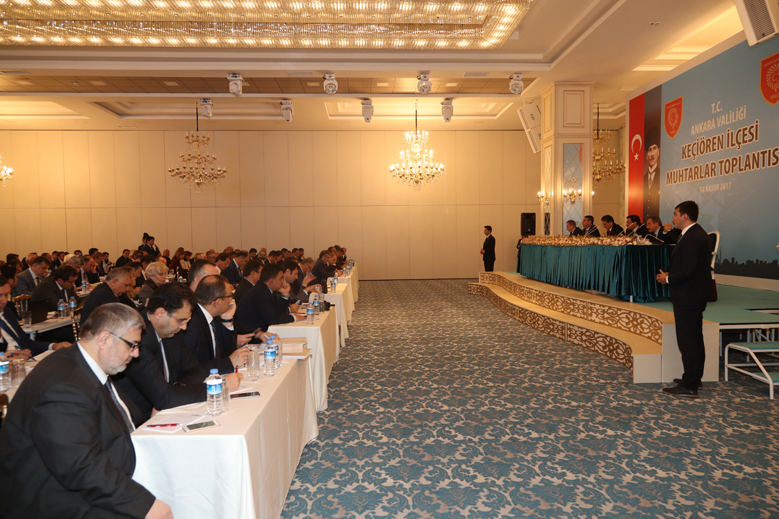 Vali Ercan Topaca Keçiören'de Muhtarlarla Buluştu
